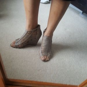 Me Too Caged Taupe Leather Wedges